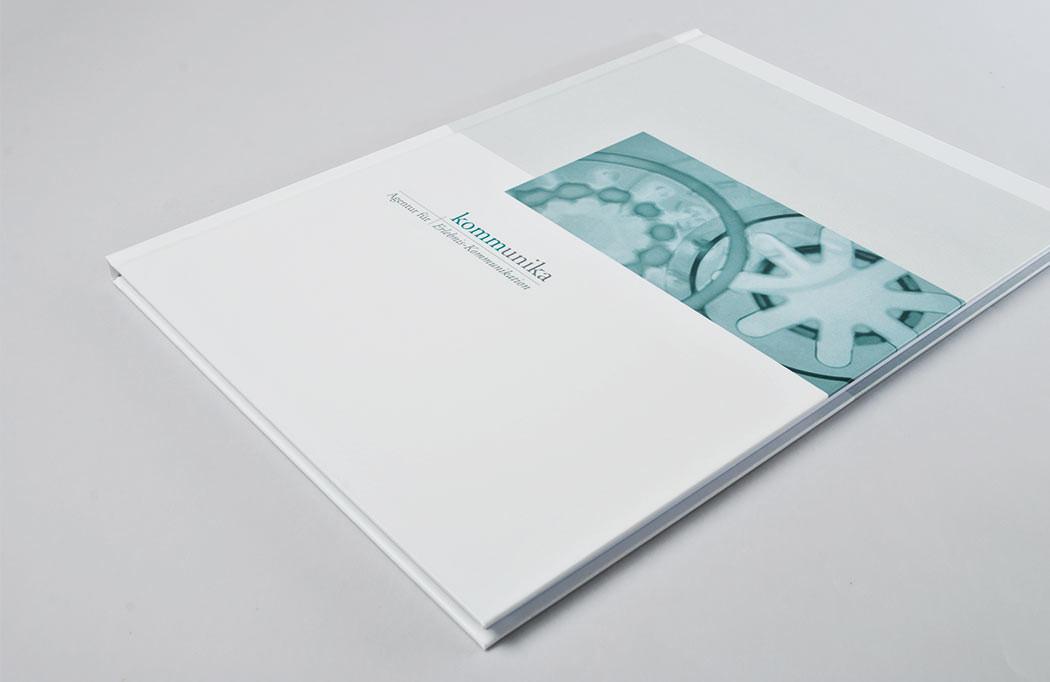 Leeres Hardcoverbuch als Give-Away