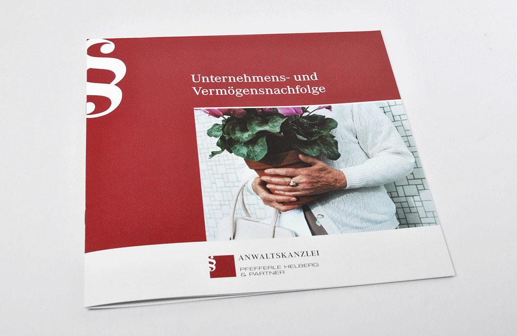 Werbeagentur gestaltet Broschüre
